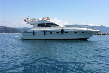 Mochi Craft 42 for sale in Italy for €50,000 (£45,832)