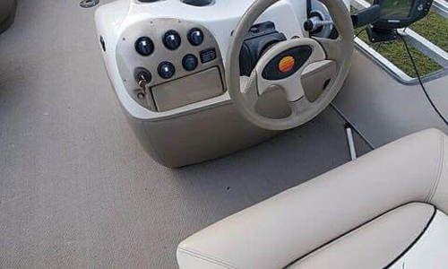 Image of Sun Tracker 27 Party Barge for sale in United States of America for $28,000 (£20,036) Trinidad, Texas, United States of America