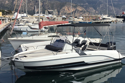 Beneteau Flyer 6.6 Sundeck for sale in France for €45,000 (£40,534)