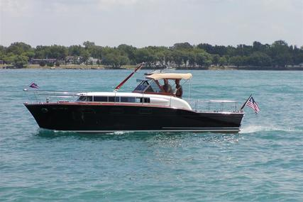 Chris-Craft 33 Futura for sale in United States of America for $395,000 (£321,735)