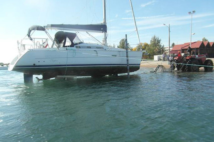 Beneteau Oceanis 323 Clipper for sale in Portugal for €45,000 (£40,651)