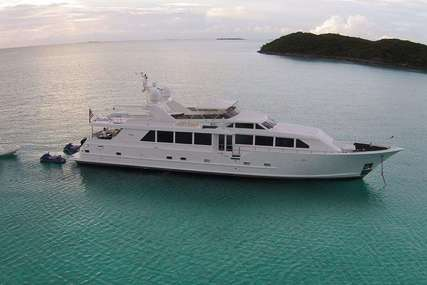 LUCKY STARS for charter from $40,000 / week