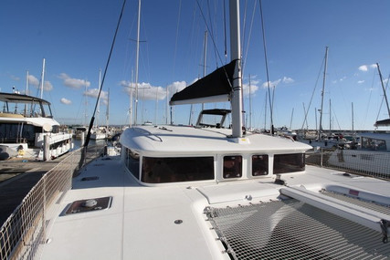 Lagoon 400 for sale in France for €270,000 (£242,385)