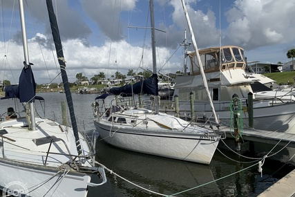 Hunter 28 for sale in United States of America for $15,000 (£11,986)