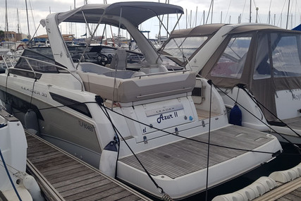 Jeanneau Leader 30 for sale in France for €168,000 (£150,349)