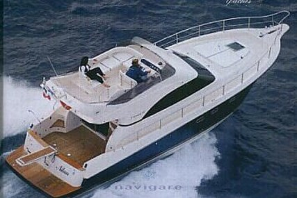 Cayman 42 Fly for sale in Italy for €240,000 (£206,615)