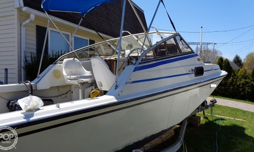 Image of Boston Whaler 22 Revenge WT for sale in United States of America for $15,000 (£12,143) Westerly, Rhode Island, United States of America