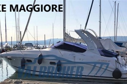 Four Winns Vista 328 for sale in Italy for €64,000 (£57,293)