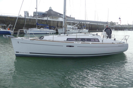 Beneteau Oceanis 31 for sale in France for €74,900 (£67,239)