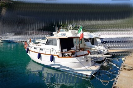 Menorquin 100 for sale in Italy for €90,000 (£81,068)