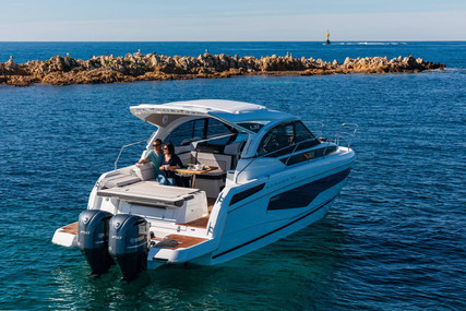Jeanneau Leader 33 for sale in France for €274,976 (£246,086)