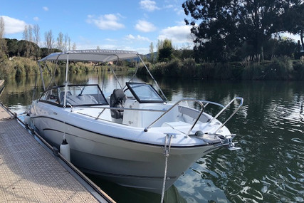 Jeanneau CAP CAMARAT 7.5 BR SERIE 2 for sale in France for €61,500 (£55,103)
