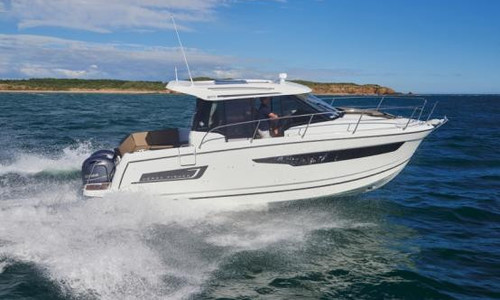 Image of Jeanneau Merry Fisher 895 for sale in France for €118,800 (£107,372) HYERES, , France