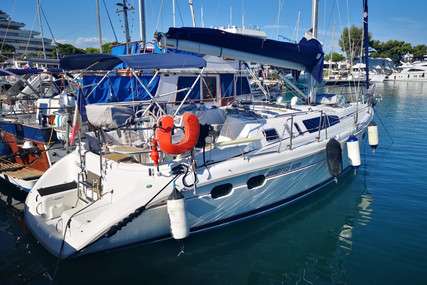 Hunter 376 for sale in France for €54,000 (£48,083)