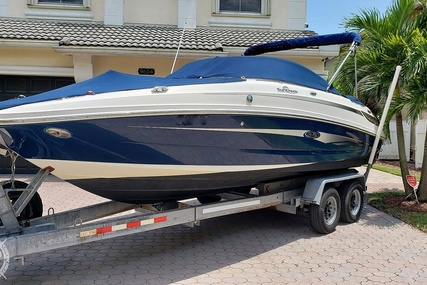 Sea Ray Sundeck 220 for sale in United States of America for $32,000 (£25,923)