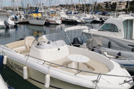 Jeanneau Cap Camarat 635 CC for sale in France for €17,000 (£15,219)