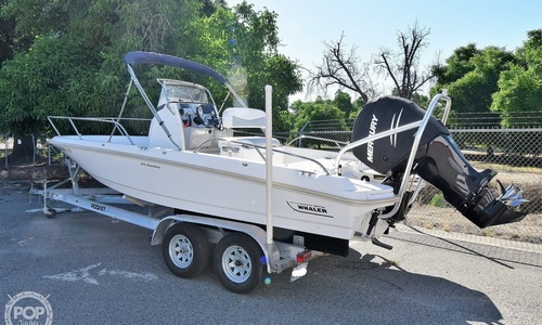 Image of Boston Whaler 210 Dauntless for sale in United States of America for $59,000 (£45,233) Visalia, California, United States of America