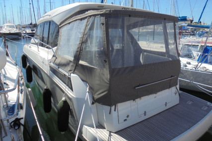 Jeanneau NC 33 for sale in France for €249,000 (£223,144)