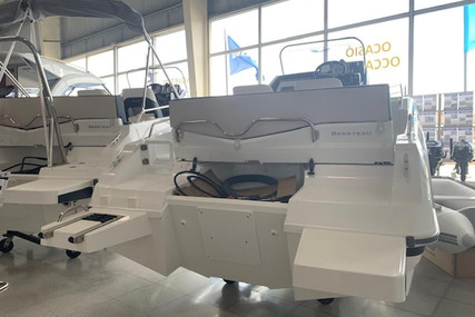 Beneteau Flyer 5.5 Sundeck for sale in Spain for €34,600 (£31,128)