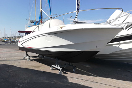 Beneteau Flyer 750 Open for sale in France for €24,500 (£22,075)