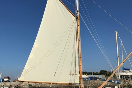 Custom Itchen Ferry Gaff Cutter for sale in United Kingdom for £17,500