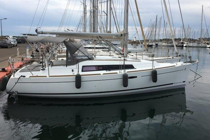 Beneteau Oceanis 31 for sale in France for €66,500 (£59,900)