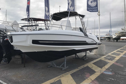 Beneteau Flyer 7.7 Spacedeck for sale in France for €56,000 (£50,890)