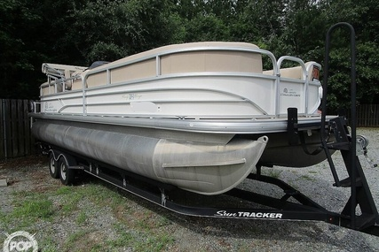 Sun Tracker 24 Party Barge DLX for sale in United States of America for $33,000 (£25,154)