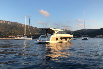 Jeanneau Leader 46 for sale in France for €325,000 (£291,224)