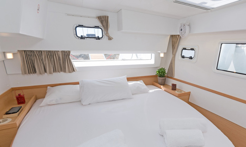 Image of Lagoon 42 for sale in Greece for £310,000 Greece