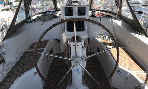 Image of Beneteau Oceanis 423 for sale in Greece for £86,000 Greece