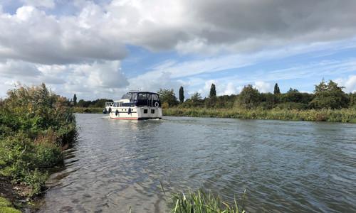 Image of Valk Voyager 1400 for charter in Netherlands from €1,895 / week De Koornwaard, Netherlands