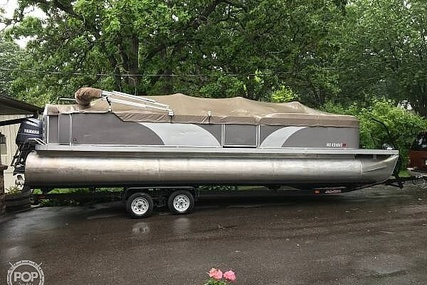 Godfrey Pontoon 270FE for sale in United States of America for $25,250 (£20,033)