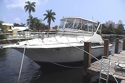 Cruisers Yachts Sedan Bridge 4280 for sale in United States of America for $112,000 (£86,364)