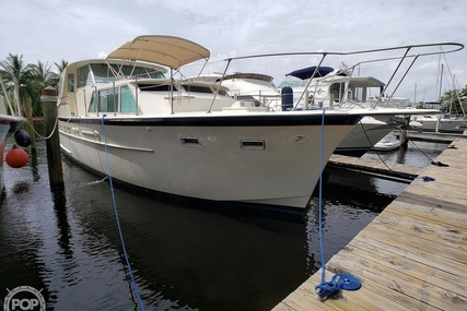 Hatteras 44 Tri - cabin for sale in United States of America for $74,000 (£59,133)