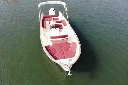 Rhea Marine 27 Open for sale in France for €82,000 (£73,897)