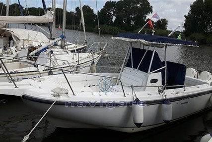 Boston Whaler 26 Outrage for sale in Italy for €36,000 (£32,351)