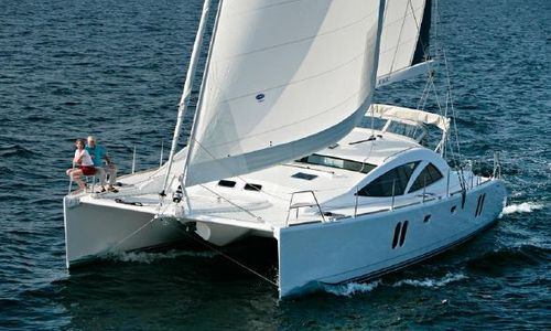 Image of 2010 Discovery Cat 50 - Sold for sale in United Kingdom for $745,000 (£578,461) S England, United Kingdom