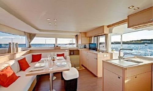 Image of 2013 LAGOON 450 - For Sale for sale in Bahamas for $370,200 (£295,914) Bahamas
