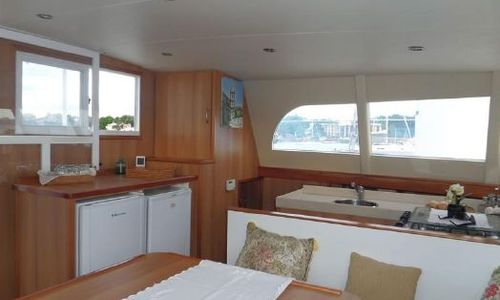 Image of Dolphin Ocema 42 for sale in Portugal for €194,000 (£167,100) Portugal
