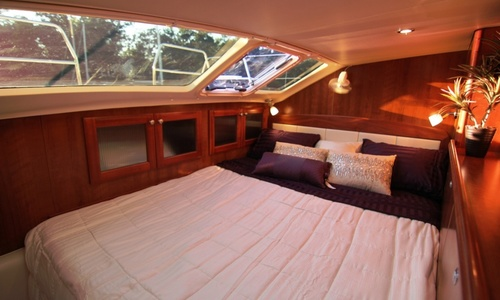 Image of 2020 LEGACY 35 - New Boat for sale in United States of America for $206,477 (£156,975) United States of America