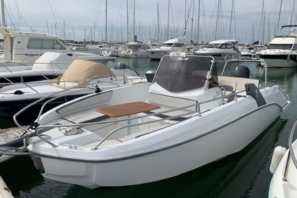Beneteau Flyer 7.7 Spacedeck for sale in France for €39,000 (£34,914)