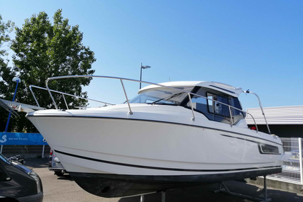 Jeanneau Merry Fisher 795 for sale in France for €55,000 (£49,584)