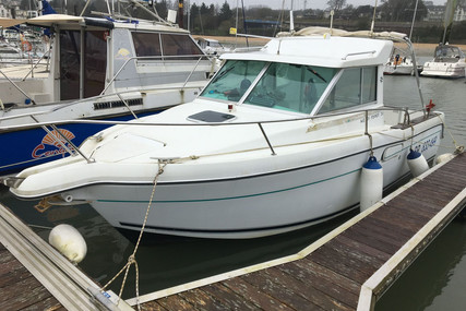 Jeanneau Merry Fisher 700 for sale in France for €13,000 (£11,638)