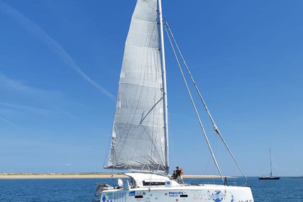 Custom TS 42 for charter in France from €3,900 / week