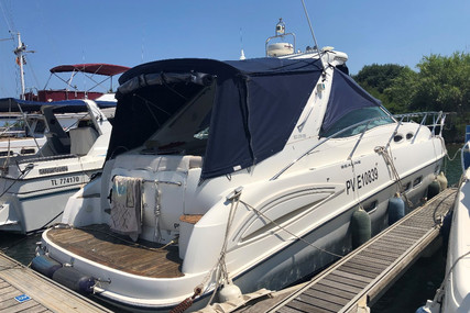 Sealine S38 for sale in France for €89,000 (£80,148)