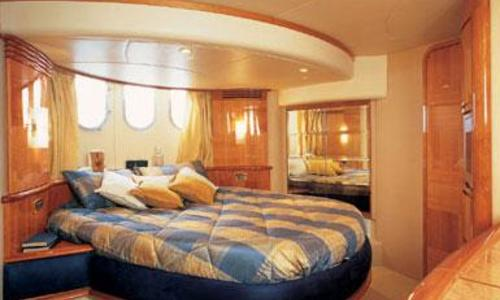 Image of Azimut Yachts 62 for sale in Italy for €480,000 (£439,984) Montemarcello, Montemarcello, Italy