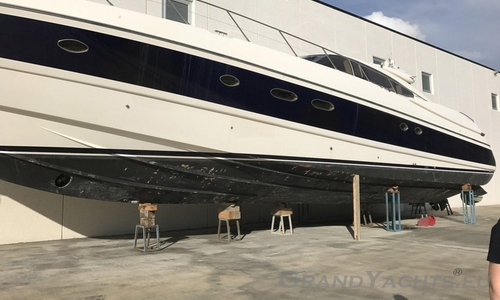Image of Sunseeker Predator 80 for sale in Italy for €325,000 (£292,164) Sardegna, Sardegna, Italy