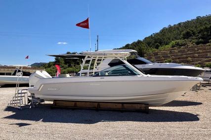 Boston Whaler 270 Vantage for sale in Spain for €299,900 (£268,473)