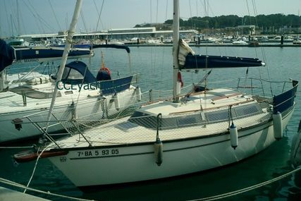 Dufour Yachts 2800 CS for sale in Spain for €15,000 (£13,616)
